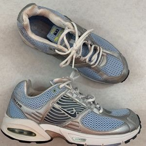 d6cddfec508 Women s Nike Brs 1000 Running Shoes on Poshmark
